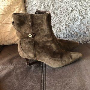 AK ANNE KLEIN iflex Brown Leather Suede Booties S6